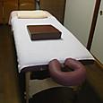 アロマオイルマッサージのベッド。